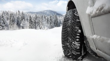 In 2014, Michelin tested 2 000 different tires in Finnish Lapland, including 400 truck tires.