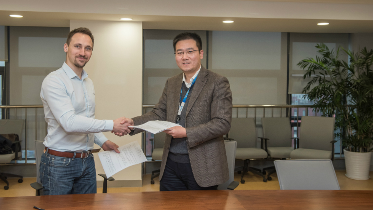 MyGamez CEO Mikael Leinonen and China Mobile gaming subsidiary Migu Interactive CEO Wang Gang signed the IMGA China cooperation agreement in Nanjing.