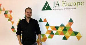 Joonas Ahola, founder and CEO of MeetingPackage.com, is JA alumni.