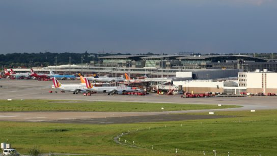 Hamburg Airport is the first major international airport in the world to replace all fossil fuels with renewables in its entire diesel-powered ground fleet.