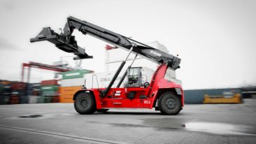 Kalmar's reachstackers equipped with K-Motion technology reduce noise levels and are more fuel efficient.