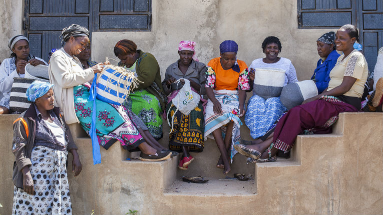 Finnish Mifuko weaves together Finnish design, Kenyan handcraft skills and empowered women, fair trade and global design boutiques.