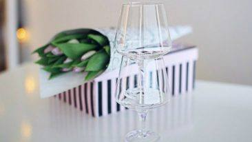 Magisso's Pino wine glass is fully stackable to make storing and service more efficient.