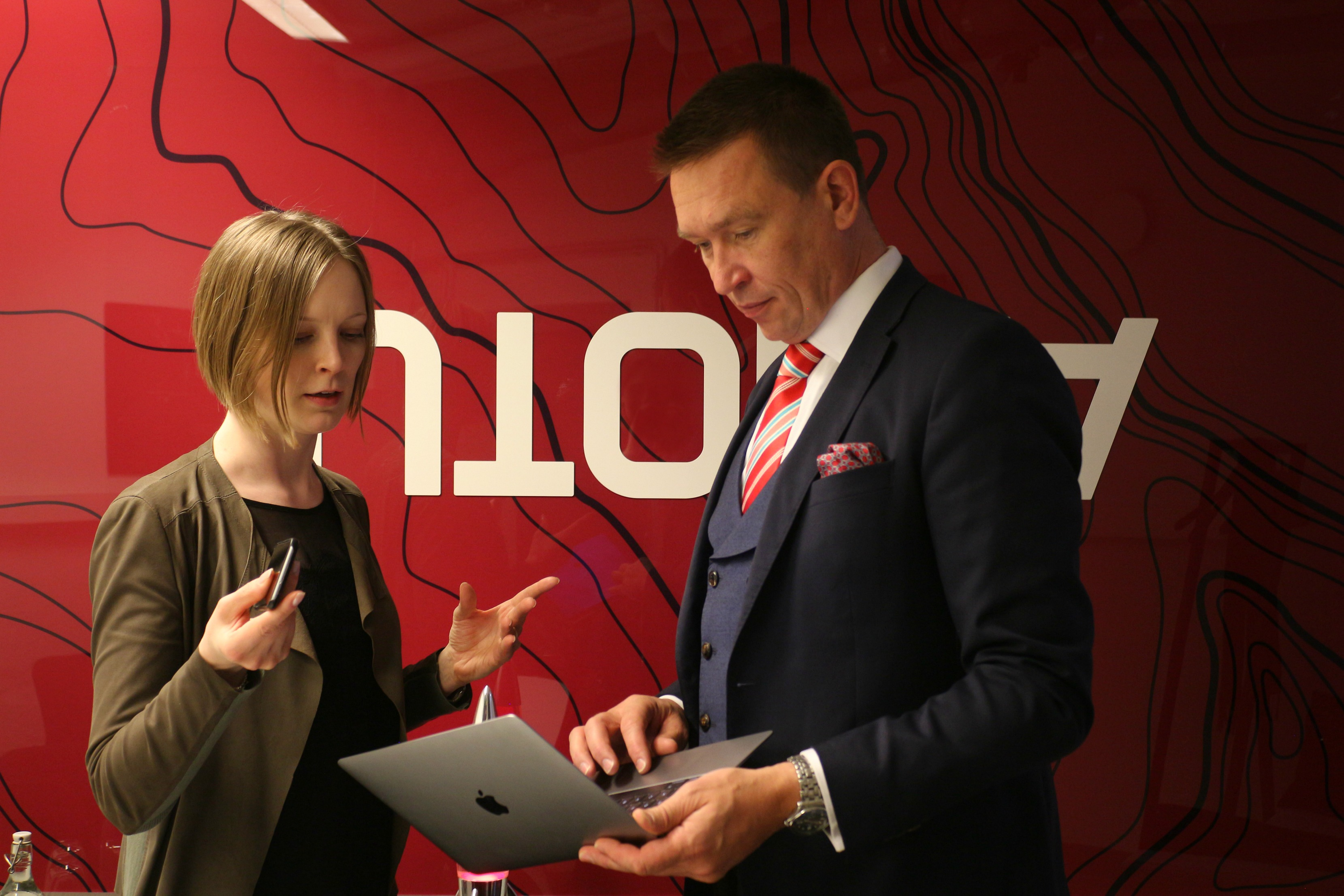 """""""The Department of Information and Computer Science was ranked among the ten best in the world in AI and machine learning in 2012"""" says Mari-Sanna Paukkeri, pictured here with Chair of the Board Tom Packalén. """"The level of research is very high in Finland."""""""