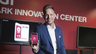 Marko Vuoriheimo, CEO of Signmark Productions, received the prize with a smile on his face.