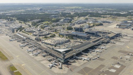 Construction of the largest airport solar power plant in the Nordics is underway on the roof of Terminal 2 at Helsinki Airport.
