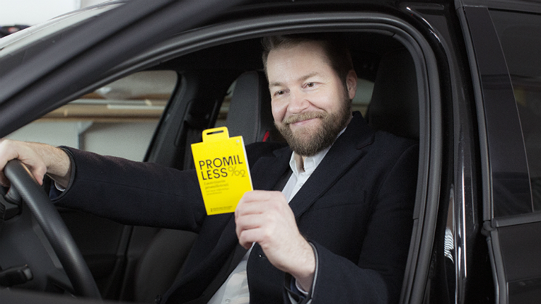 The Promilless disposable alcohol test reveals the user's fitness to drive within a couple of minutes.