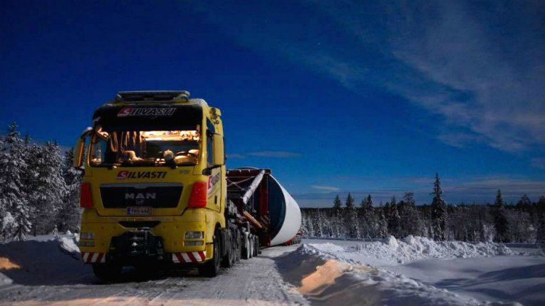 Both Silvasti and Nørager have started operating their businesses with solo drivers and a truck.
