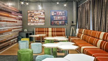 HUONE offers innovative spaces for hosting meetings and events.