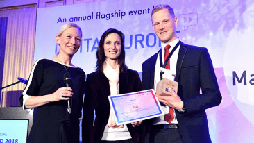 The award is presented to Edward Blomstedt (right) by Mariya Gabriel, European Commissioner for Digital Economy & Society (centre).