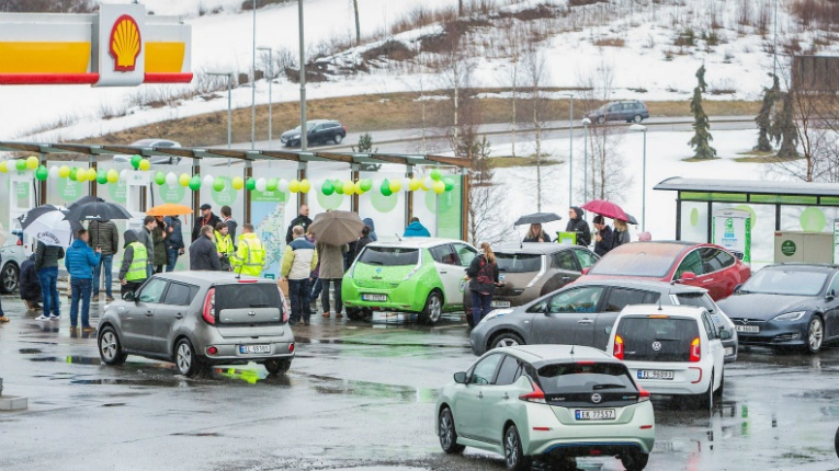 Fortum Charge & Drive opened the first high-power charging station last week in Nygårdskrysset, Norway.