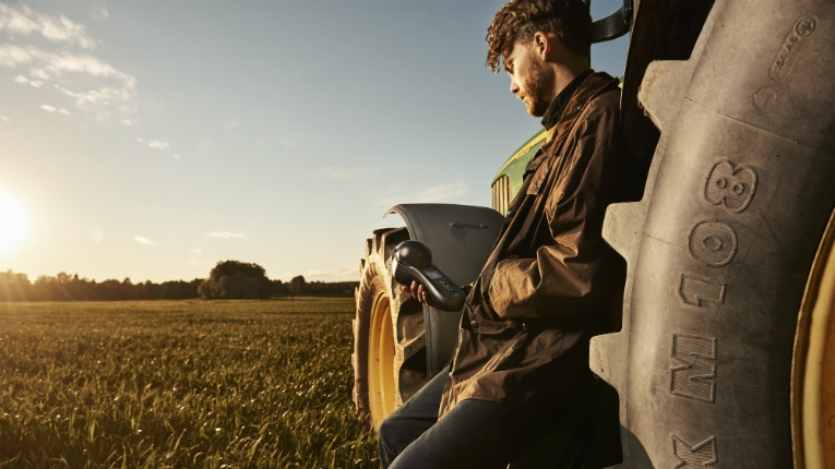 GrainSense helps farmers make informed decisions by giving them detailed information about their crops.