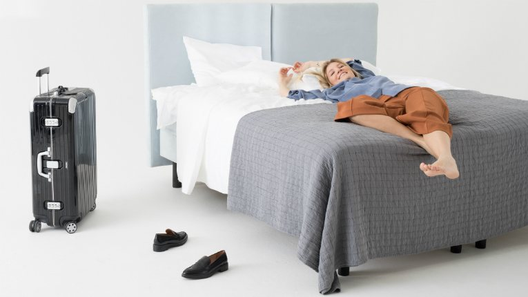 Valpas has designed a smart bed leg-set for premium hotels that eliminates bed bugs.
