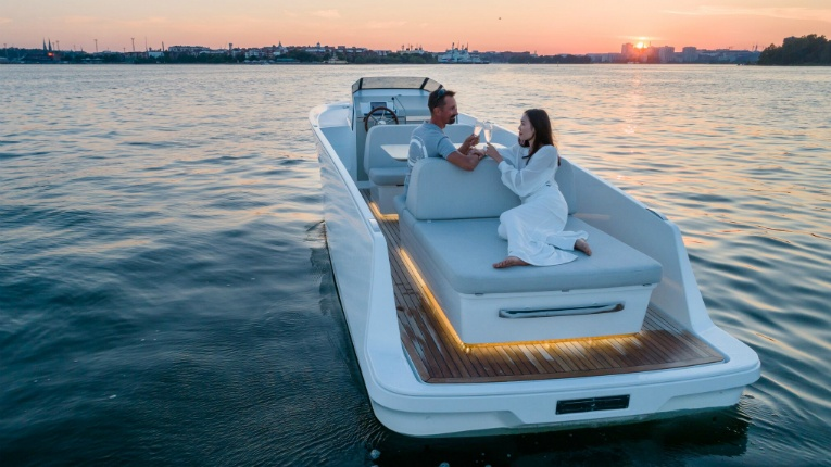 The Q30 cruiser has set sail to become the Tesla of the seas.
