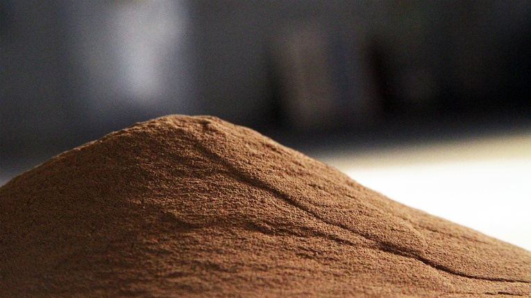 Lineo by Stora Enso is a renewable alternative to fossil-based materials that Stora Enso produces from lignin separated during the kraft pulping process of Nordic softwood, pine and spruce.