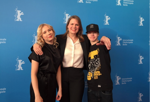 From left: Rosa Honkonen, Selma Vilhunen and Jere Ristseppä pose at Berlinale. 'Stupid Young Heart' won the Crystal Bear for Best Film award. (Photo: SES)