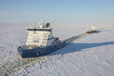 Polar assisting a vessel in the Bothnian Bay last March.