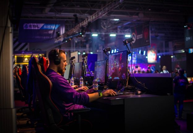 Elisa has teamed up with Havu to support up-and-coming e-sports players. (Photo: Jamie McInall/Pexels)