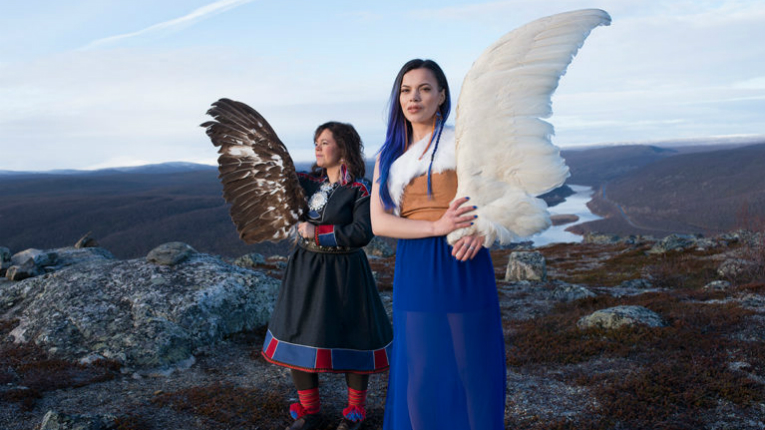 Sámi band Solju consisting of Ulla Pirttijärvi and daughter Hildá Länsman was awarded at the Indigenous Music Awards for debut album Ođđa Áigodat.