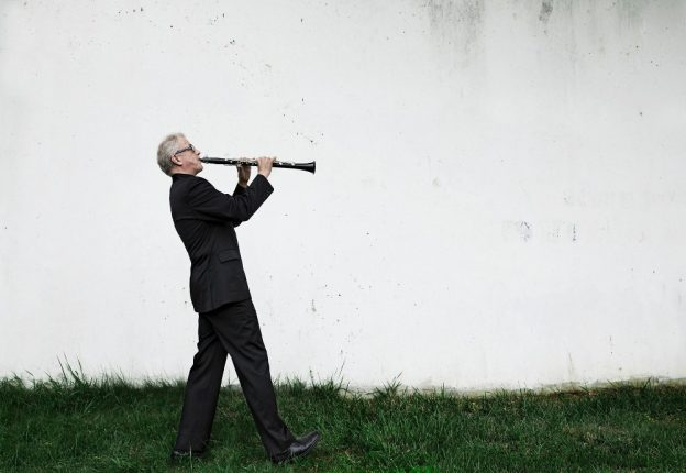 The Hong Kong Philharmonic Orchestra will perform a fully Finnish programme with the help of conductor Osmo Vänskä (in picture) and clarinettist Kari Kriikku. (Photo: Lisa-Marie Mazzucco)