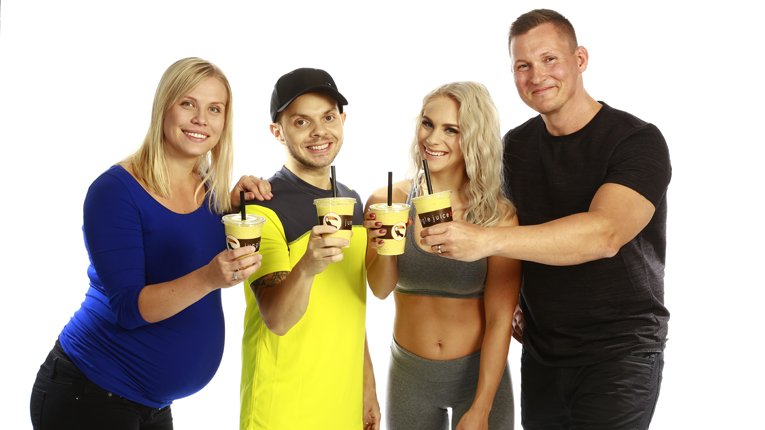 Every year Jungle Juice Bar introduces several charity smoothies in collaboration with Finnish celebrities and donates majority of the proceeds to different causes. (In the picture from left to right, Noora Fagerström, Finnish rap artist Uniikki, fitness star Eevi Teittinen and Petteri Fagerström)