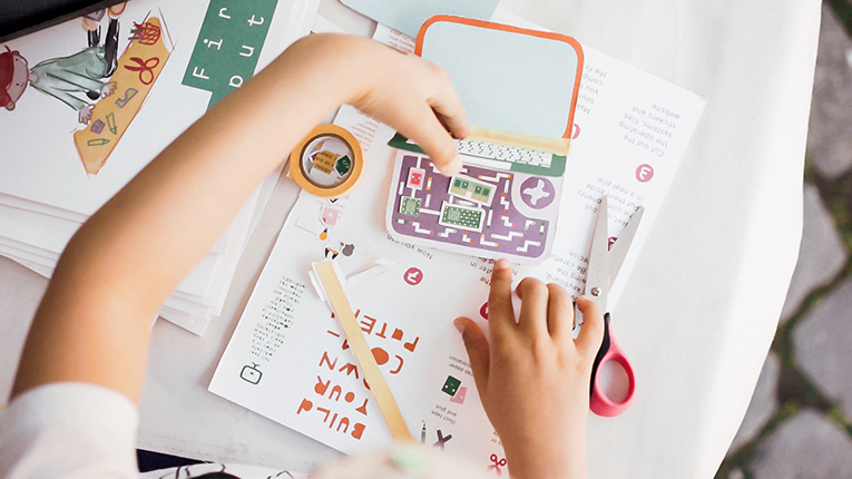 Finnish author Linda Liukas' book designed to teach kids the basics of programming has proved a success in Japan.