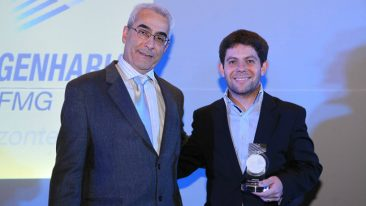 The company's head of mining & metals in Brazil, Antonio Bernucci (right), was on hand to accept the award.