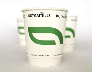 The carton board with barrier properties can be used in, for example, coffee cups.