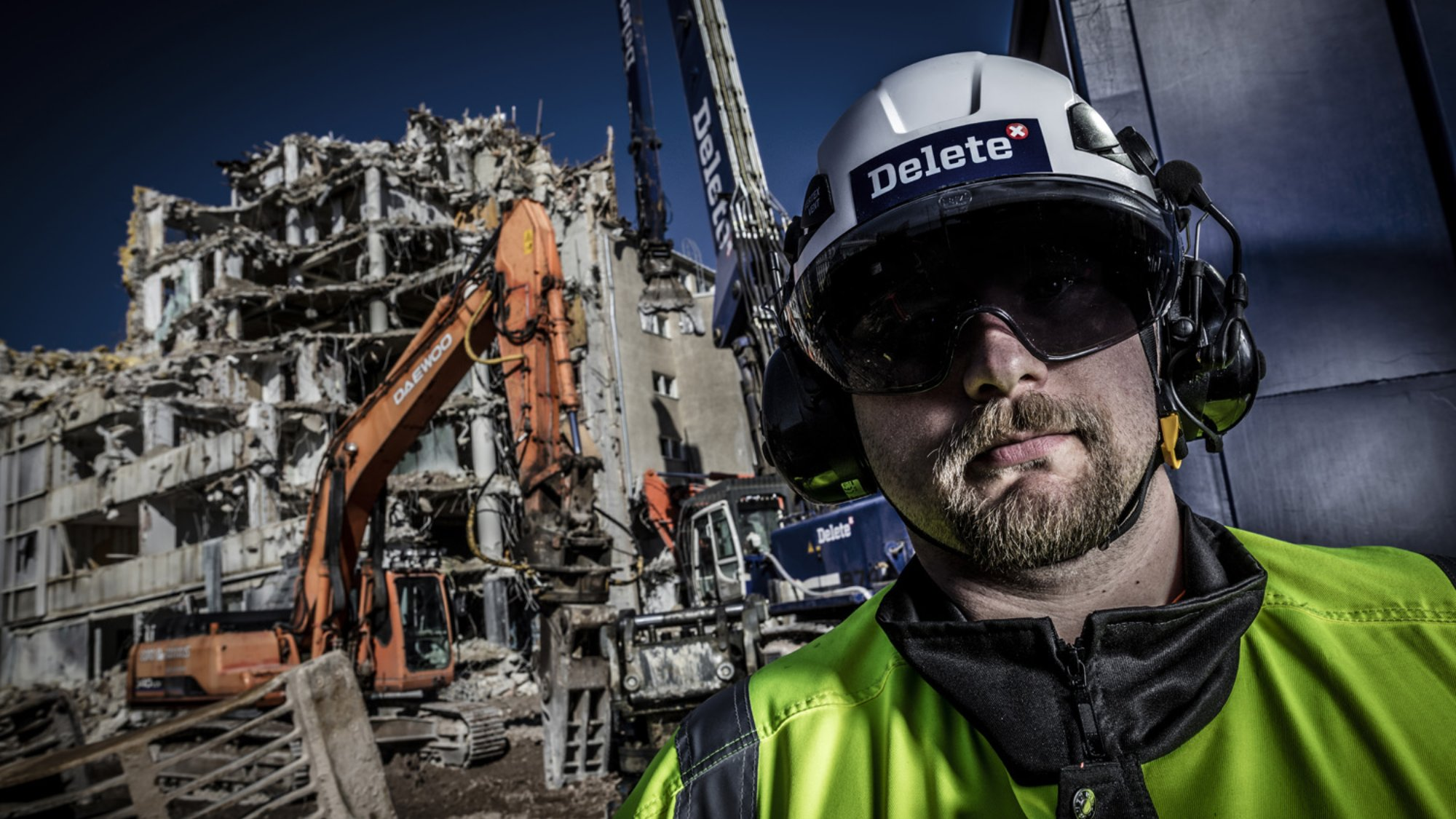 While ship demolitions are a new area for Delete, the company is specialised in managing unusual demolition projects of all sizes.