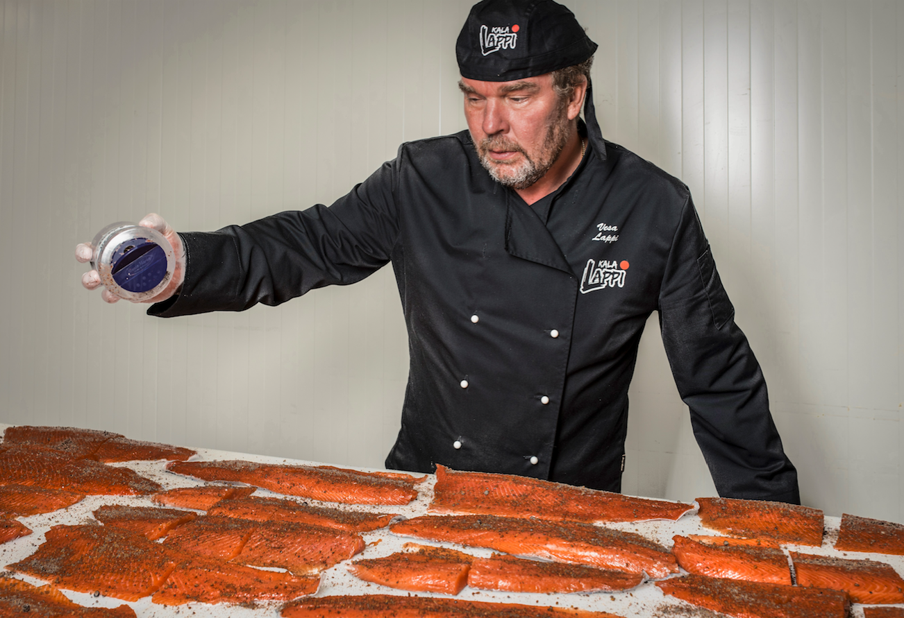 CEO of Kala-Lappi Vesa Lappi trolls for fish up to 850 hours annually. He founded the company after realising that he could make a profession out of his passion for fishing and fish processing.