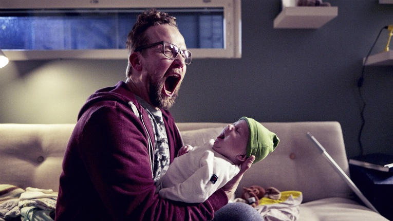 Antti Pasanen (Petteri Summanen) is left baffled with a newborn baby and no wife.