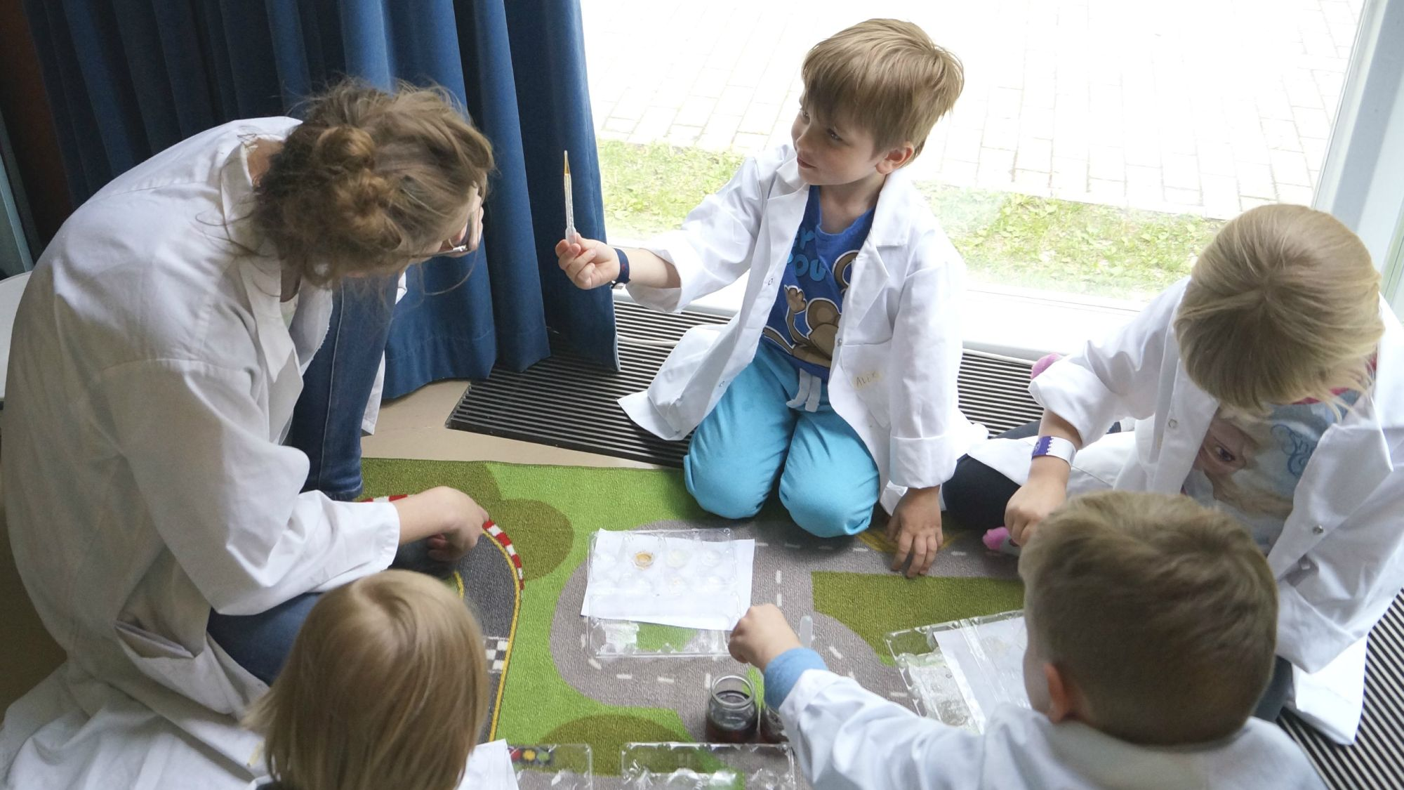 Making use of children's instinct to wonder and ponder is at the heart of Kide Science's philosophy.