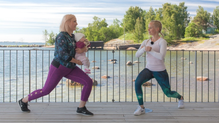 A baby changes not only everything in the family's life, but also the mother's body. Riina Laaksonen (right) aims to speed up the recovery process.