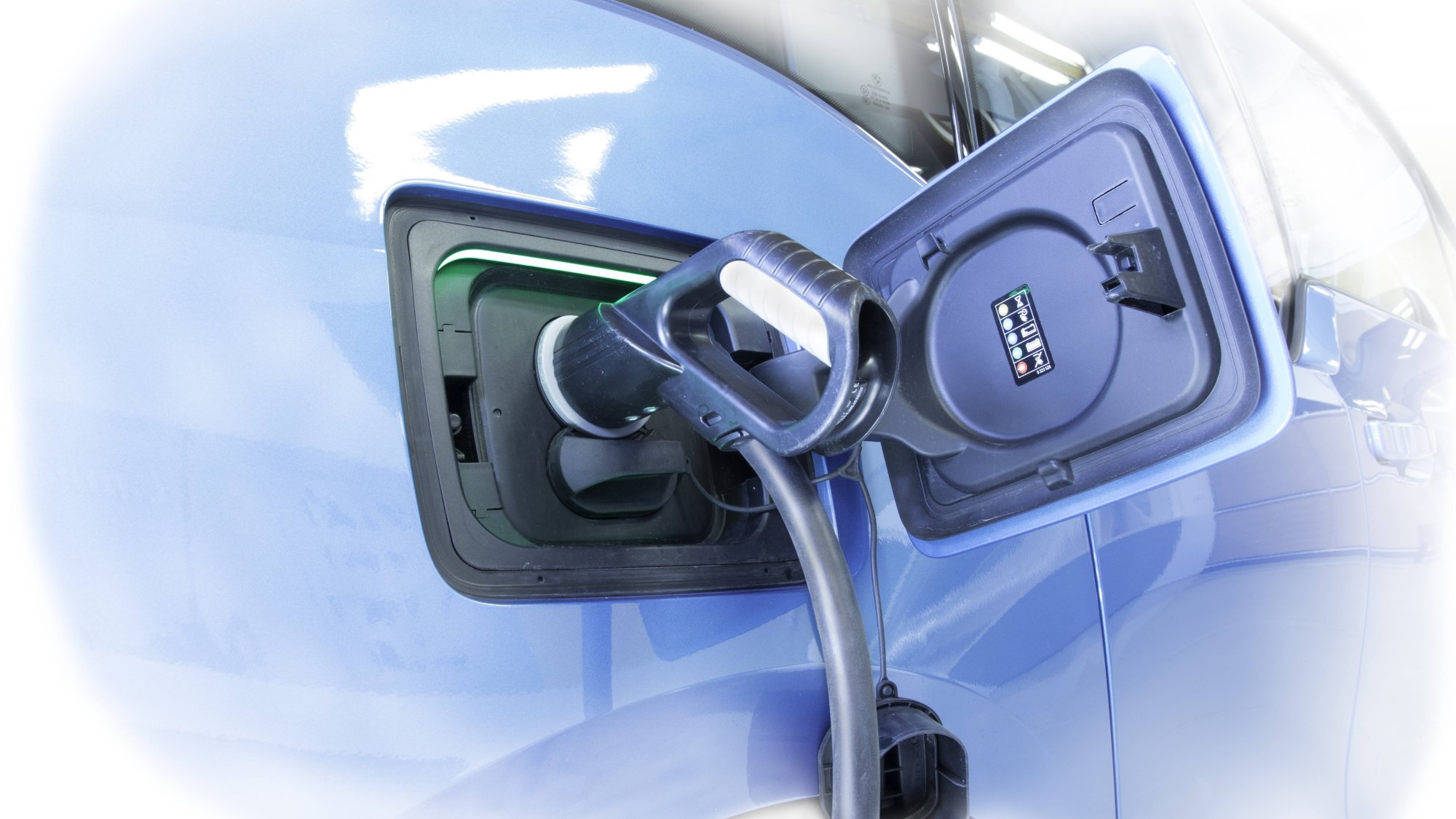 Plugit provides electric vehicle charging solutions to housing cooperatives, employers and other companies.