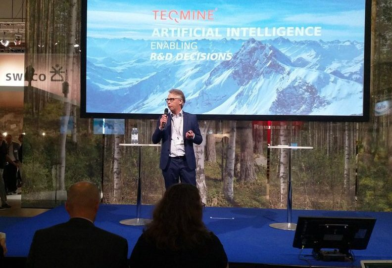 Hannes Toivanen, the CEO of Teqmine, delivered his pitch at PulPaper18 in Helsinki.