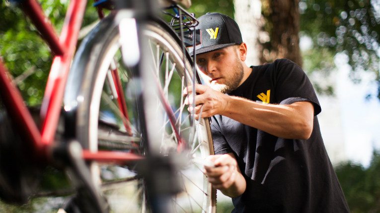 The global market for bicycle maintenance is estimated to be worth 10 billion euros.