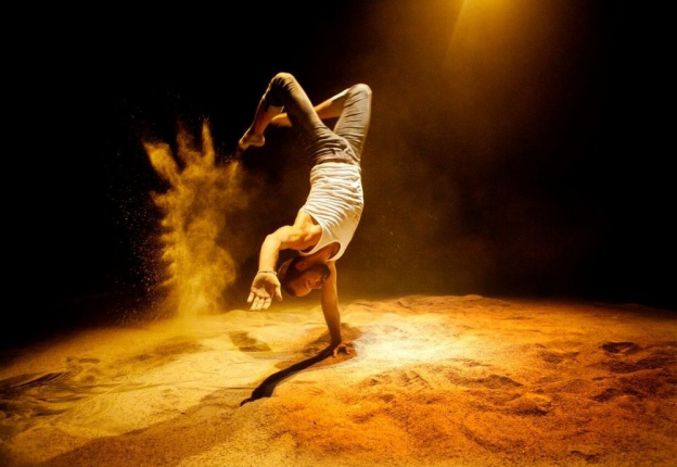 Finnish circus groups Circo Aereo and Wise Fools will put on a show in Singapore. (Photo: Circo Aereo)