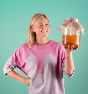 Hanna Katajamäki (pictured) and Krister Häll believe that kombucha includes all the health benefits of high-quality loose-leaf tea.