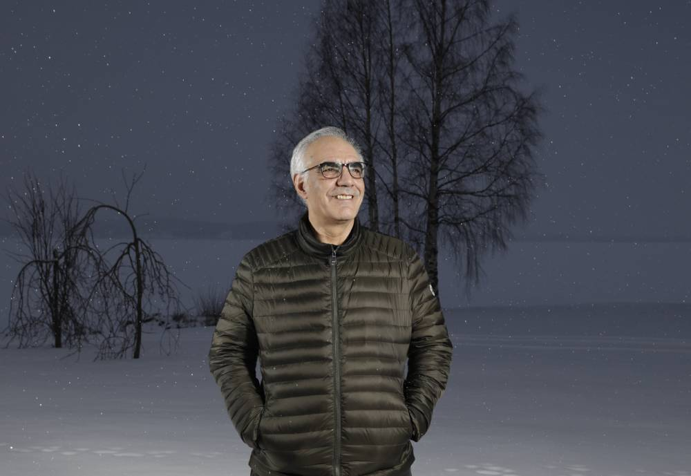 Siamäk Naghian poses in the snow