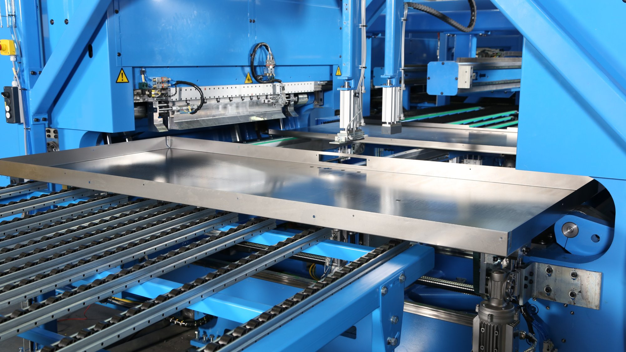 From a thin sheet to ready parts, Pivatic's machines employ multiple functions according to customer needs.
