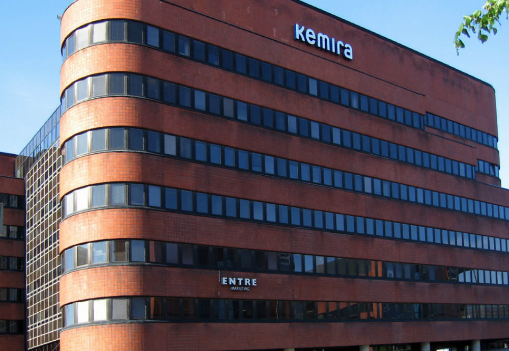 Bring office building with Kemira sign.